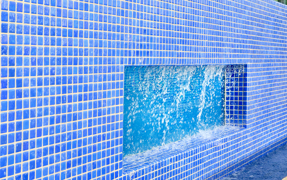 Connells Point lap Pool with feature wall Built By Blue Haven Pools