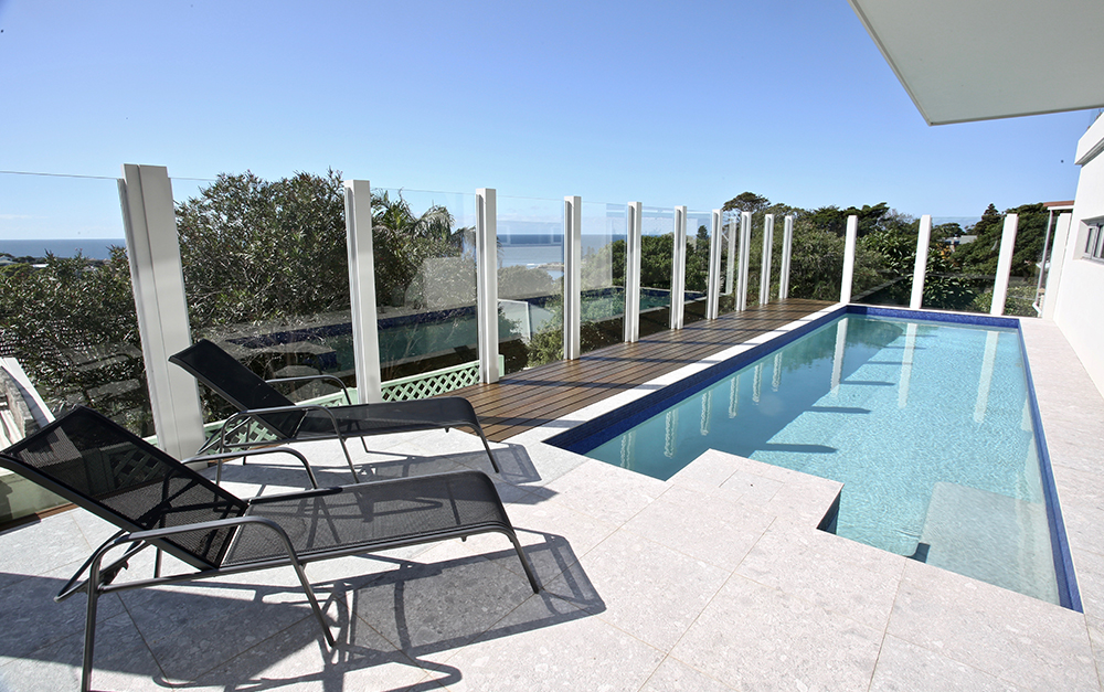 Kiama out of ground swimming pool With sitting features